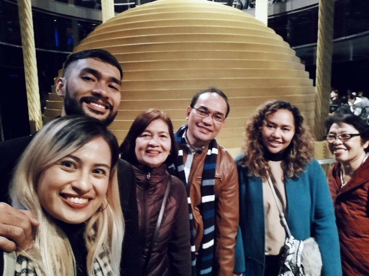 Family Photo at Taipei 101