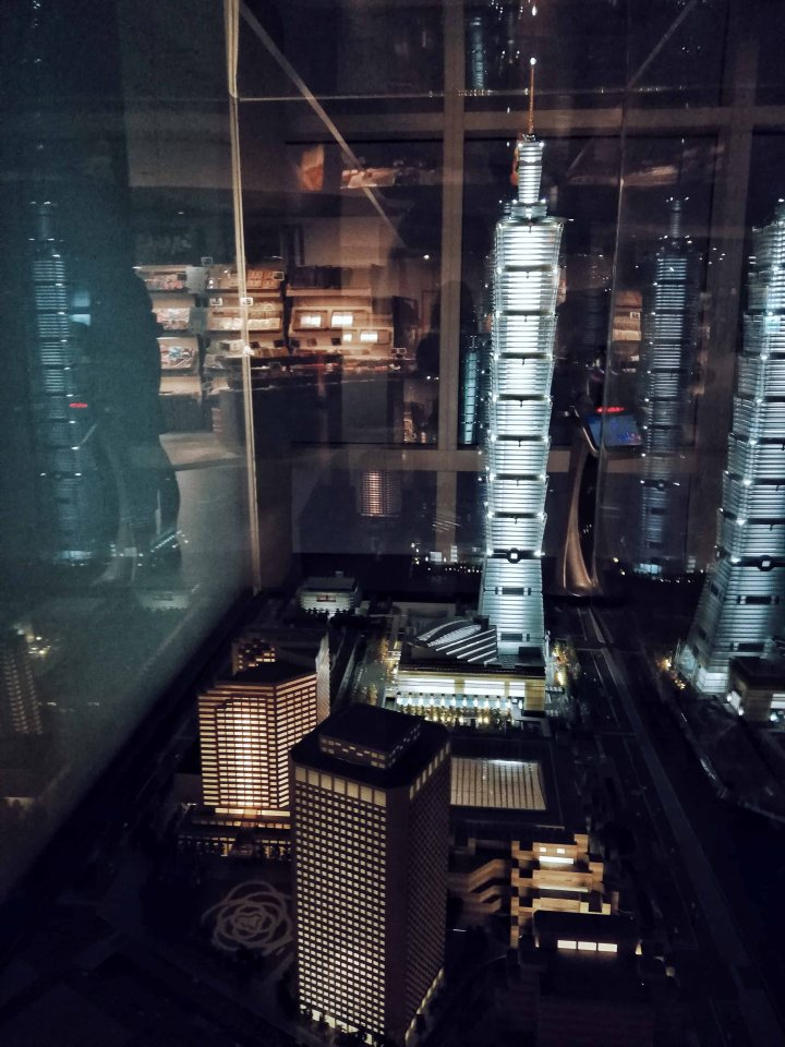 Taipei 101 Miniature Model