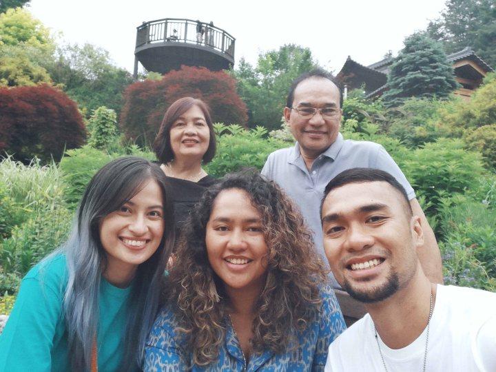 (7) Family Photo.jpg